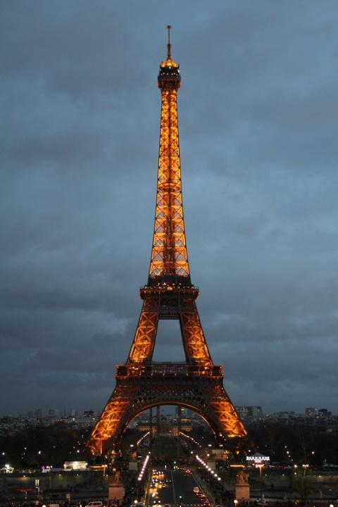 Paris. La Tour Eiffel vue depuis l'esplanade du Trocadéro.
