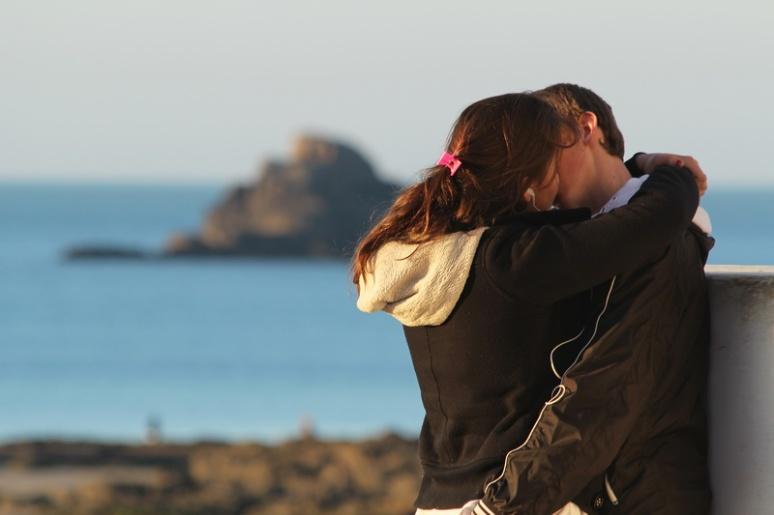 Flirt d'adolescents à Saint-Malo.