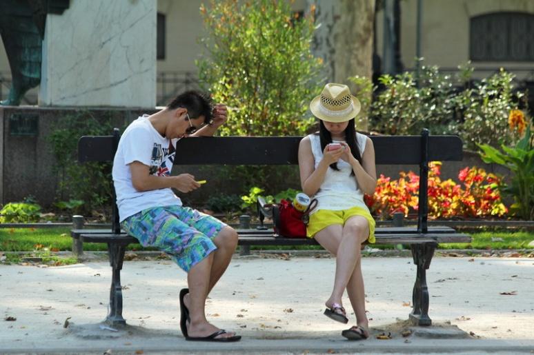 L'important dans un couple, c'est de bien communiquer. Et donc d'avoir du réseau...