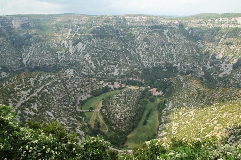 Le Cirque de Navacelles vu depuis le belvédère de la Baume-Auriol.