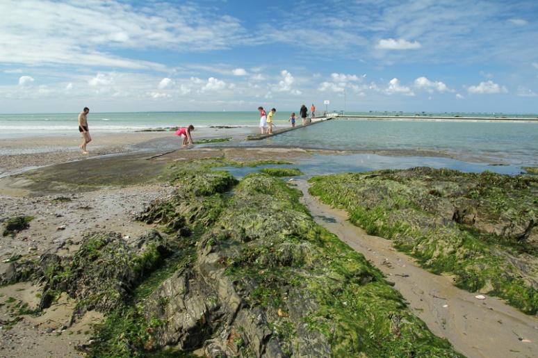 La piscine d'eau de mer de Saint-Pair-sur-Mer