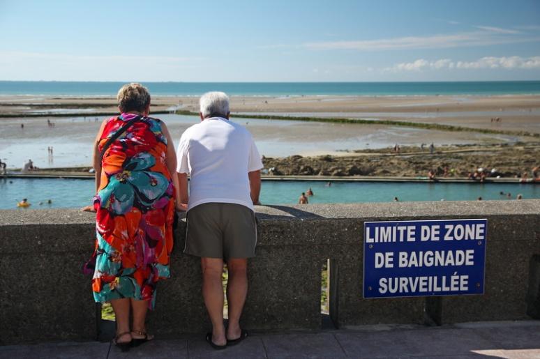 Zone de baignade très bien surveillée ! (Granville)