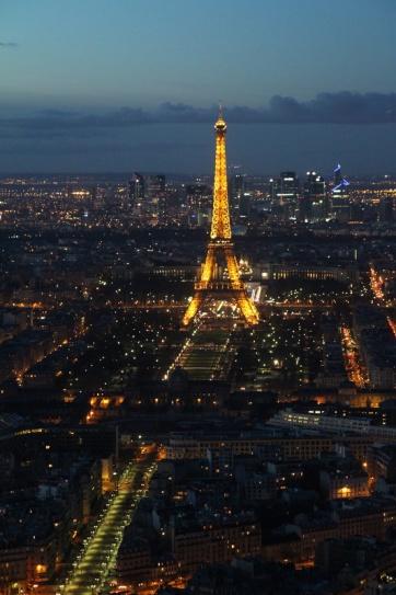 Paris. Vue sur la Tour Eiffel depuis la terrasse panoramique (59ème étage) de la Tour Montparnasse.