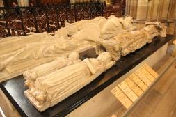 La Basilique de Saint-Denis. Gisants de Louis VI le Gros, Henri 1er, Jean 1er le Posthume, Jeanne II (reine de Navarre), Robert II le Pieux, Constance d'Arles et Louis X le Hutin.