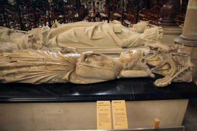 La Basilique de Saint-Denis. Gisants de Louis X le Hutin, Constance d'Arles et Robert II le Pieux.