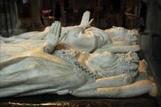 La Basilique de Saint-Denis. Gisants de Henri II et Catherine deMédicis.