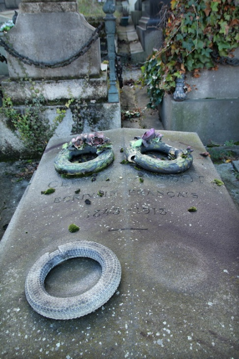 Paris, Cimetière Saint-Vincent (Montmartre). Tombe de Cécile Cassot.