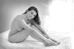 Sur le lit (Noir et Blanc 10)