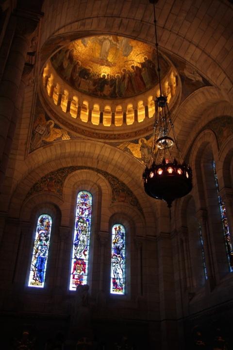 Paris, Montmartre. Dans la Basilique du Sacré-Cœur.