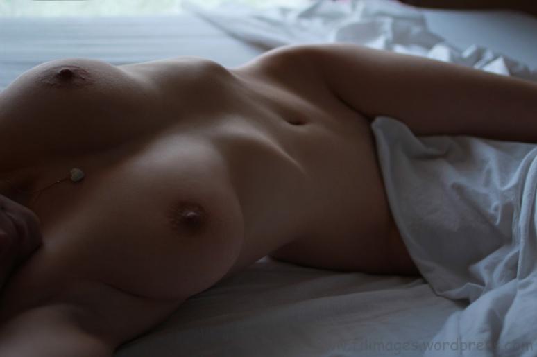 Sur le lit (24)