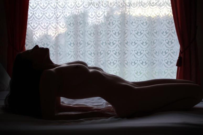 Sur le lit (25)