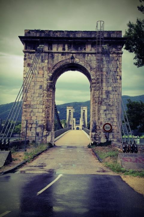 Donzère (France, Drôme). Le pont de Robinet sur le Rhône.