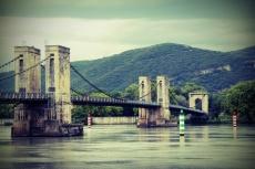 Donzère (France, Drôme). Le pont de Robinet sur leRhône.