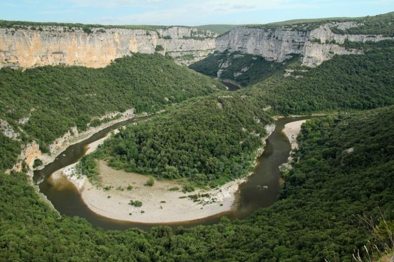 Les Gorges de l'Ardèche vues depuis le Balcon des Templiers.