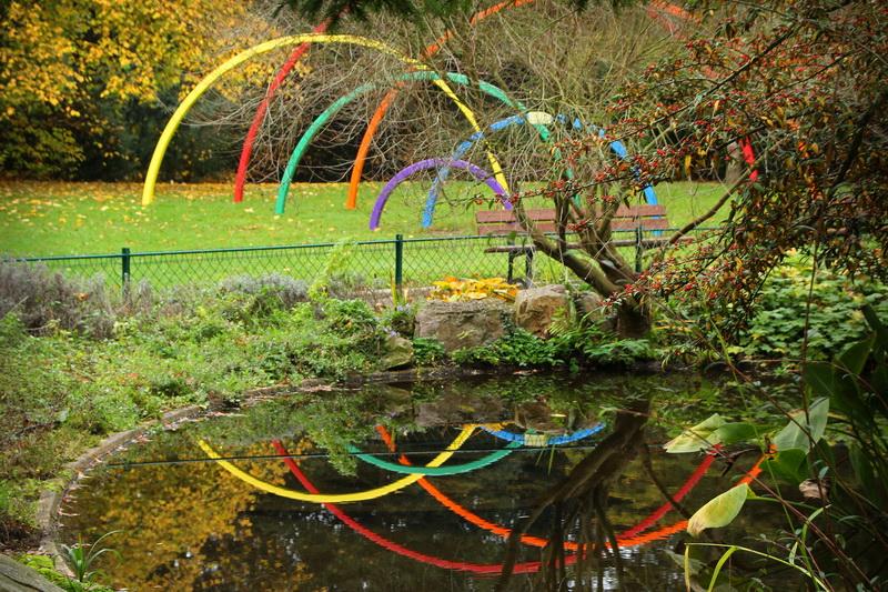 caen le jardin des plantes oeuvre arc en ciel de sarah holt - Jardin Des Plantes Caen