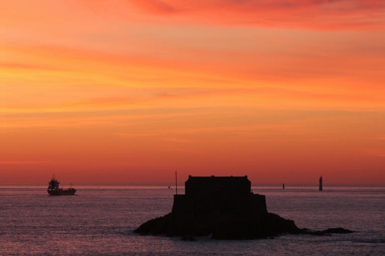 Coucher de soleil sur l'île du Petit-Bé, à Saint-Malo