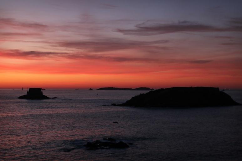 Coucher de soleil sur les îles de Saint-Malo