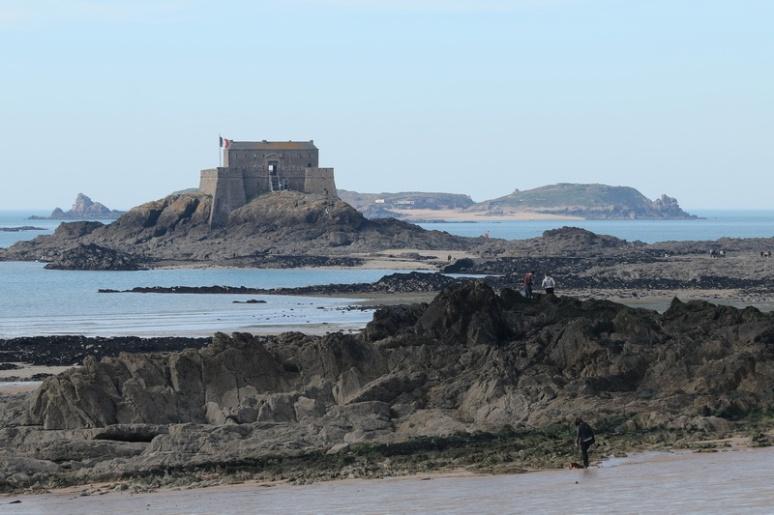 Saint-Malo - L'île du Petit-Bé et l'île Cézembre