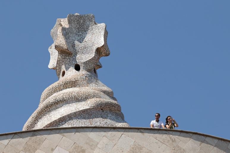 Cheminée sur le toit de la Casa Milà (Barcelone, Espagne)