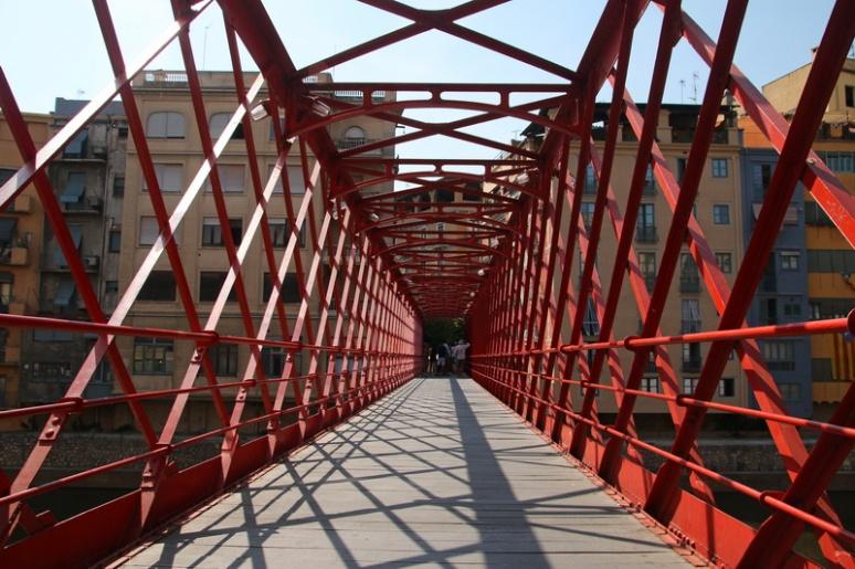 Gérone (Espagne). Pont de les Peixateries Velles.