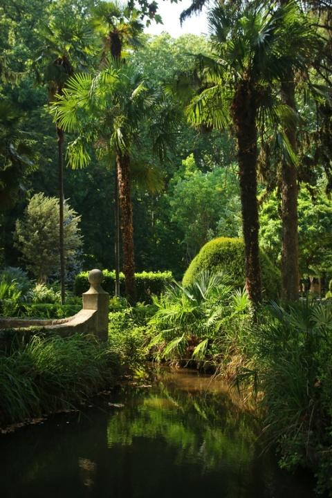Gérone (Espagne). Jardins de la Devesa.