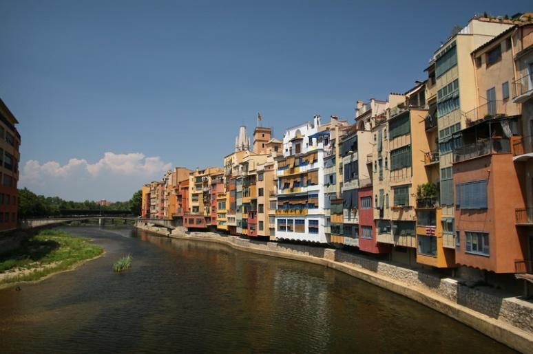 Gérone (Espagne). L'Onyar.