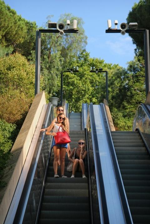 Escalator près du Passeig de Jean Forestier (Barcelone, Espagne)