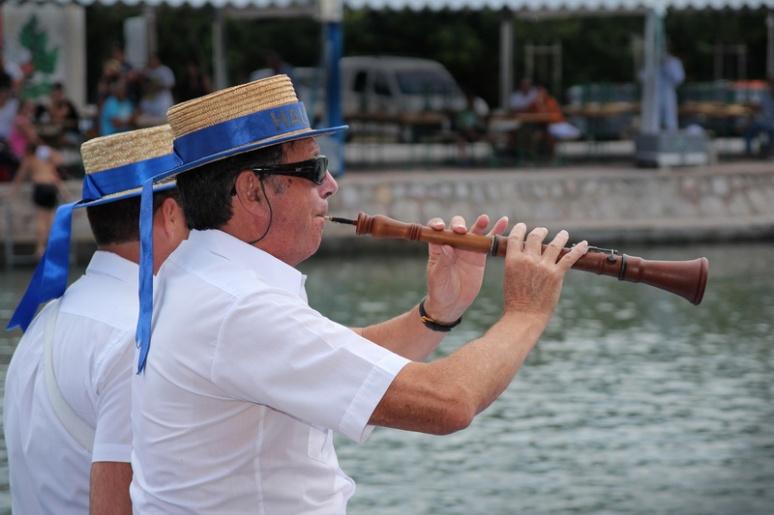 Joutes dans le canal du Rhône à Sète, à Frontignan (Hérault).