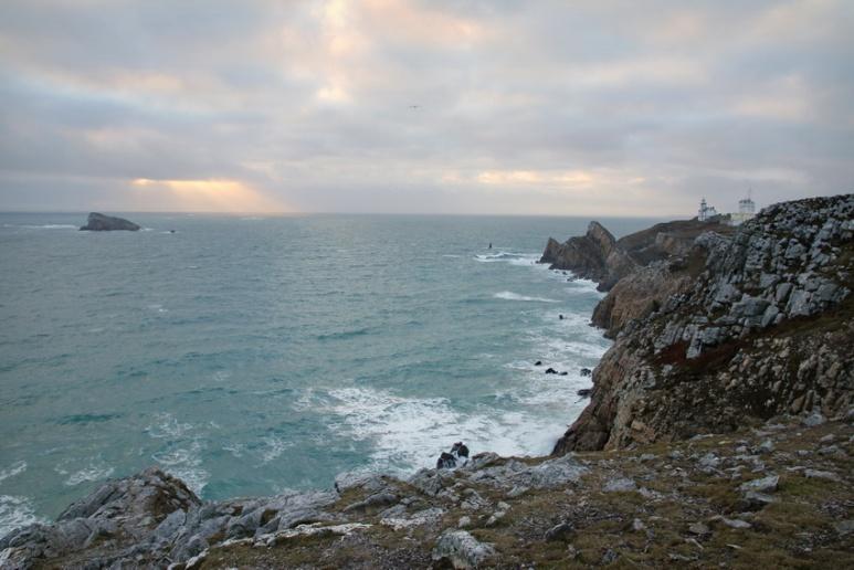 Camaret-sur-Mer (Finistère), la Pointe du Toulinguet et le Rocher du Lion.