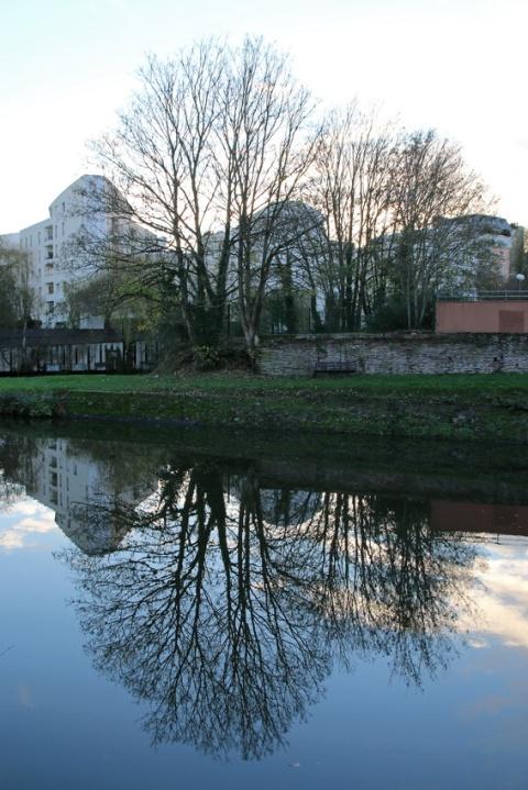Rennes, la Vilaine vue depuis la promenade des Bonnets Rouges.