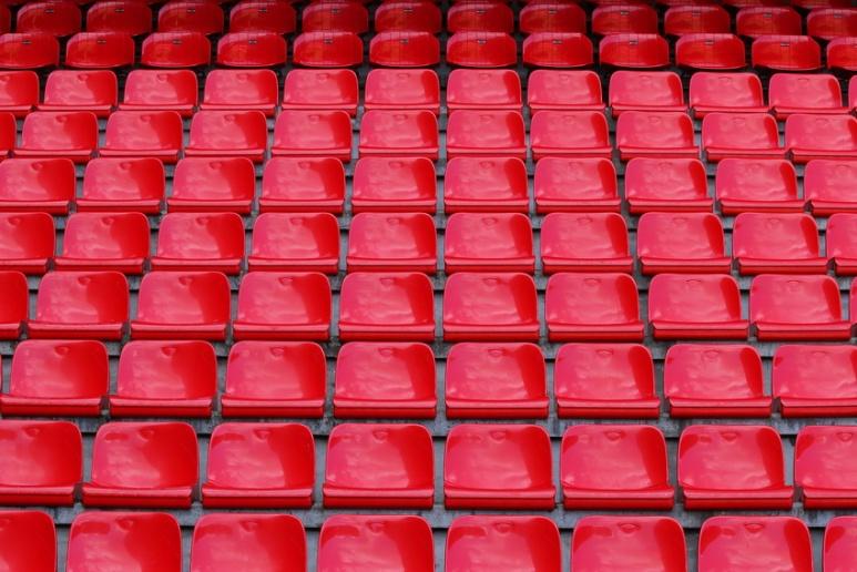 Les gradins du Roazhon Park, le stade de football de Rennes (Ille-et-Vilaine).