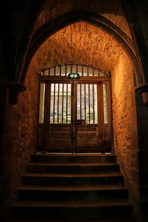 L'abbaye du Mont-Saint-Michel : Entre le promenoir et la salle des Chevaliers.