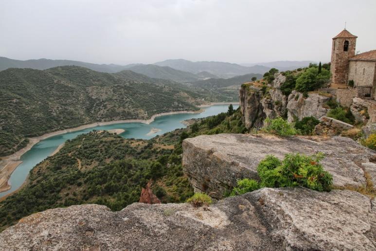 Siurana de Prades (Espagne, Catalogne). Vue sur le rio et le barrage de Siurana.