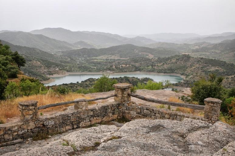Siurana de Prades (Espagne, Catalogne). Vue sur le barrage de Siurana.