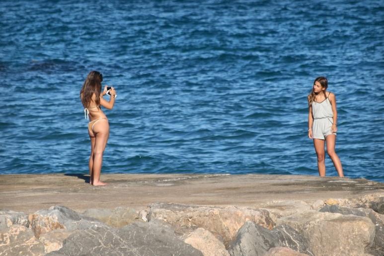 Photos entre copines à Sitges (Espagne).