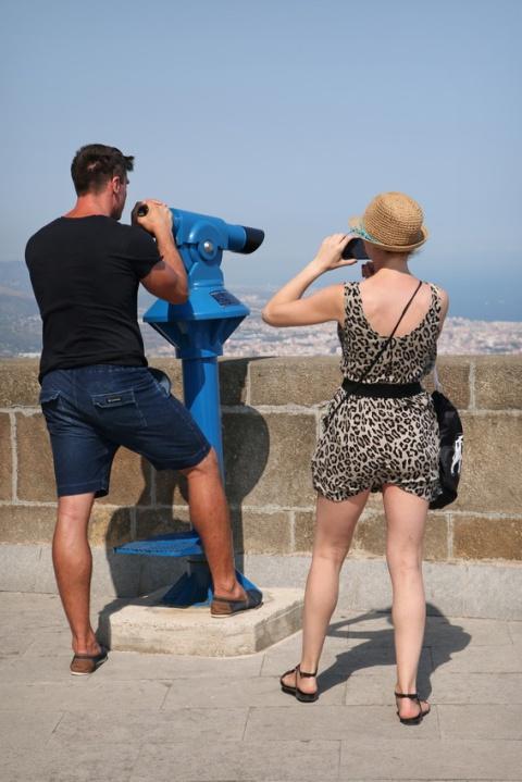Photo-souvenir sur le site du Tibidabo, à Barcelone (Espagne).