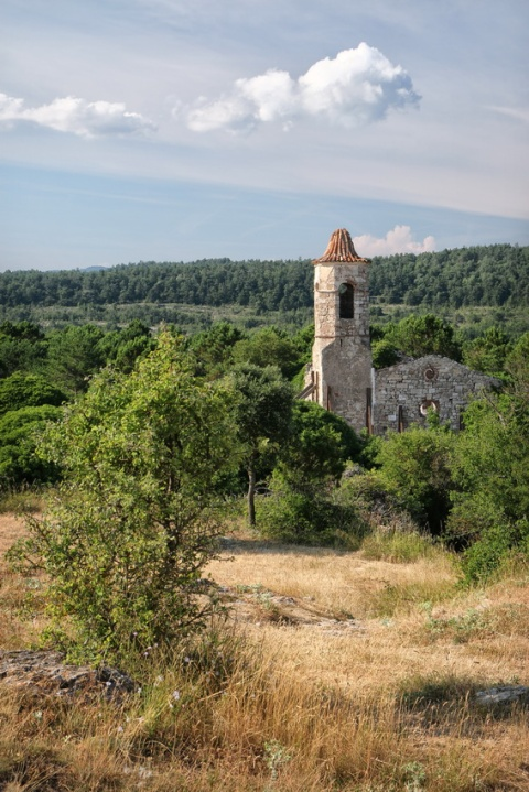 Le village abandonné et en ruine de La Mussara (Catalogne, Espagne).