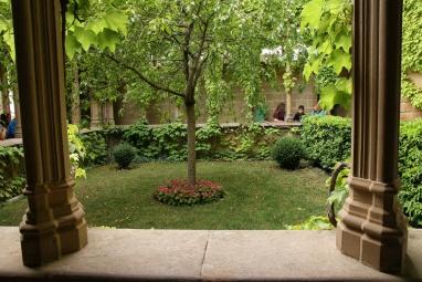 Le jardin de la reine, dans le château des rois de Navarre (Olite, Espagne).
