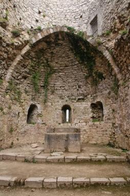 L'église Sainte-Marie du château de Peyrepertuse (Aude).