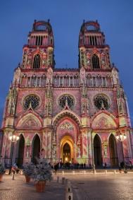 La Cathédrale Sainte-Croix d'Orléans (Loiret, France). Illuminations de Noël.